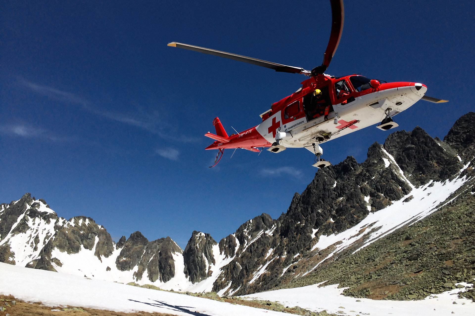 Helicopter emergency medical service (HEMS)